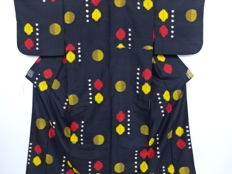 Silk Meisen Kimono pattern of polka dots– Japan – Mid 20th century