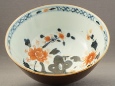 Capuchin bowl with Chinese Imari decoration – China – circa 1750, Qianlong period (1735-1796)