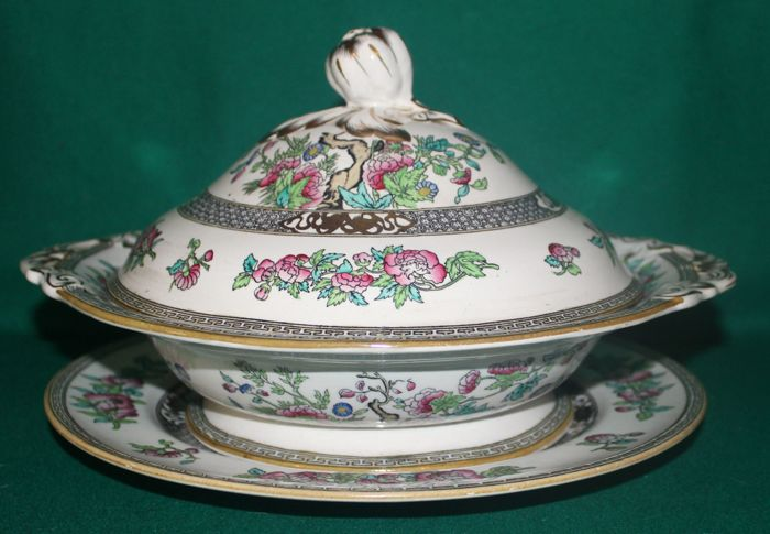 "MINTON Tureen with tray ""Indian Tree"""