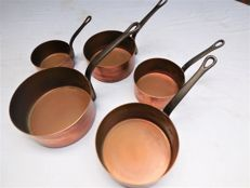 Five old cooking pans/pots in solid copper with hand-forged handles