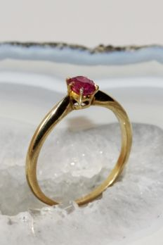 18 kt Gold Ring with Ruby – Ring size 18.7 mm / R¼