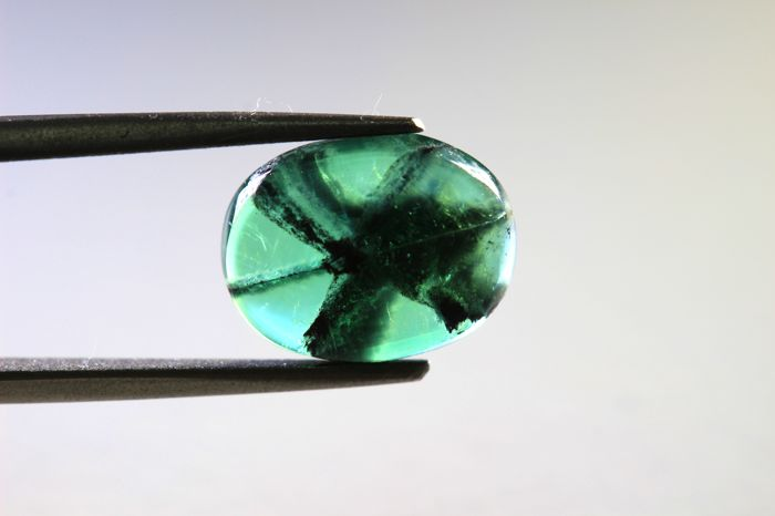 Trapic emerald - 2.08 ct