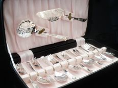 Cased 14 Piece Silver Plated Fruit Set, c.1962