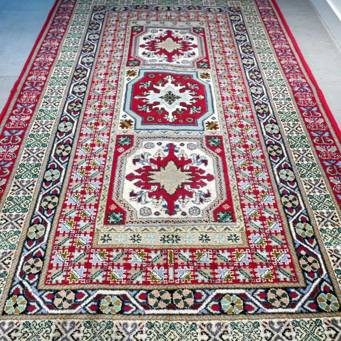 Special Tunisian rug with Kazak pattern – 195 x 125 – unique design
