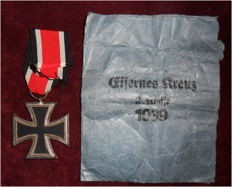 Iron Cross 2nd Class 1939 with bag and ribbon