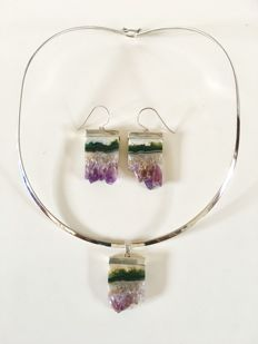 925 Set of a silver choker with a pendant and earrings made of amethyst geode – choker diameter 43 cm