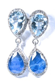 18 kt. Earrings in white gold set with 80 GH-SI diamonds, 2 natural aquamarines and 2 natural blue A-colour sapphires. Total: 4.59 ct. Length: 24.40 mm. No reserve price.