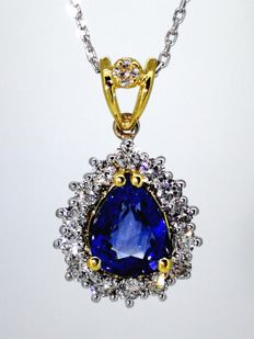 18 kt gold necklace with sapphire of 1.85 ct & 15 diamonds of 0.60 ct in total, 42 cm.