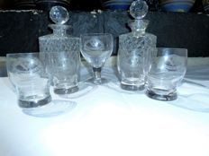 5 Masonic glasses with 2 cut glass decanters detailed etching of the masonic lodge