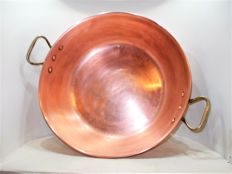 An antique French jam pan of copper