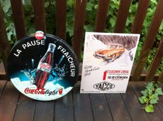 "Aluminium coca cola plate, metal/plastic coca cola badge + advertising plate for the ""Rallye Monte Carlo 1959"" - France/USA - 4th quarter of the 20th century"