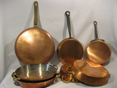7 Red copper pans
