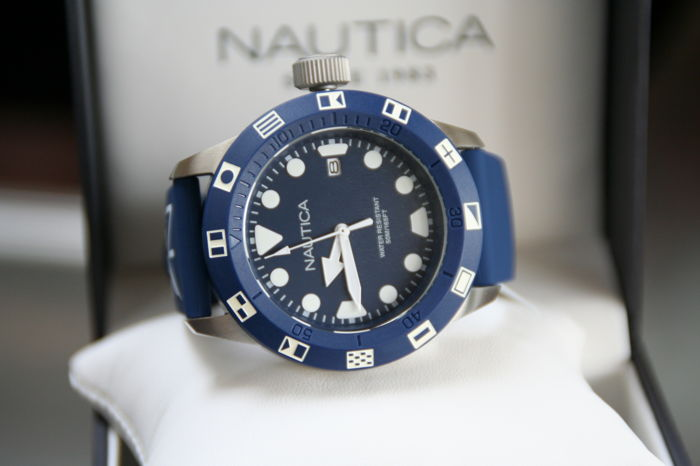 NAUTICA  Gents 2017 New in mint condition