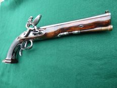 Large officer's flintlock pistol ca. 1810 Dumarest smooth barrel calibre 11 mm approx.