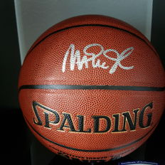 Lakers Magic Johnson signed basketbal