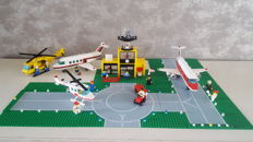 Classic Town - 6392 + 6697 + 6368 - classic town airport + Rescue Helicopter + jet airliner