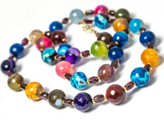 Long multi-color necklace with Bohemian garnets, 54 cm long, 18 kt gold clasp