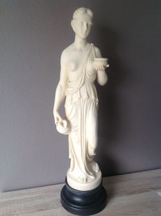 Statue; Female nude after ancient Greece - 2nd half of 20th century