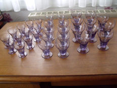 Suite of 32 old glasses
