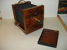 Antique wooden travel camera, approx. 1910-1915, well preserved