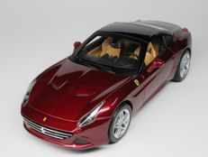 "Bburago ""Signature Series"" - Scale 1/18 - Ferrari California T Closed Top - Dark Red / Black"