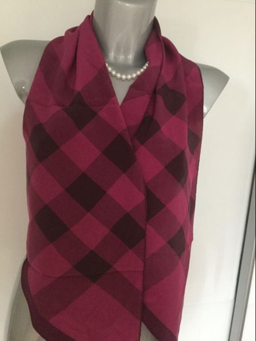 Two Burberry scarves, veyr classic and beautiful