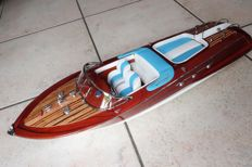 Very nice model of the boat Riva Aquarama, white/blue finish