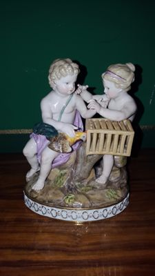 """Meissen - """"H 87"""" porcelain group, with two children and a rooster"""
