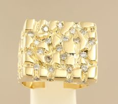 18 kt gold men's ring set with 50 brilliant cut diamonds, approx. 1.50 carat in total, ring size 22.25 (70).
