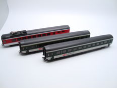 Märklin H0 - from set 29850 - Three express passenger coaches of the SBB/CFF