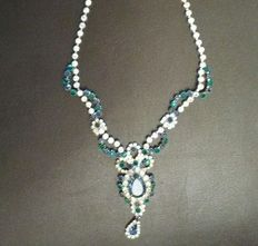 Necklace signed by Weiss in silver alloy, circa 1940, USA