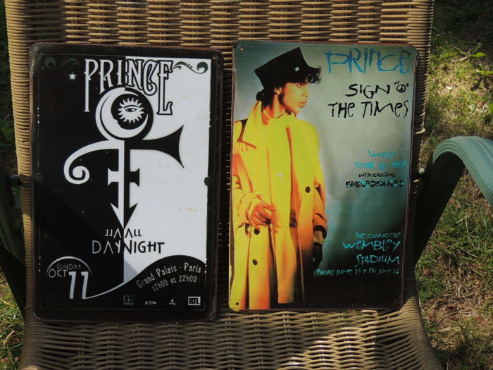 Two Stunning Prince -  The Symbol - Memorial Signs -  Sign The Times Classic - Day And Night - Classic