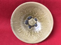 Celadon bowl - China - ca. 1900