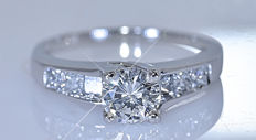 1.23 ct Diamond princess ring -  – Size: 12.5- No reserve price!