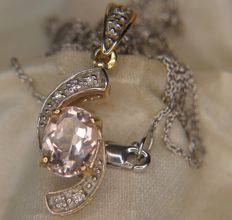 Elegant bi-colour gold pendant set with a clear light pink Morganite (1.77ct) surrounded by small diamonds on a fine white gold chain