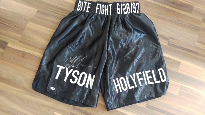 """original """"IRON"""" Mike Tyson signed black boxing trunk + certificate PSA/DNA"""
