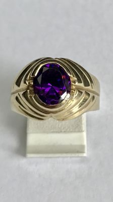 14 kt Gold ring with Amethyst – Ring size 19.5 (61)