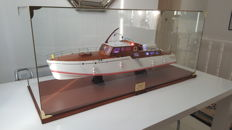 Model under glass Sister ship of Honey Fitz, Ex-Léonore 2