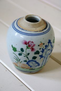 Porcelain ginger jar – China – around 1820