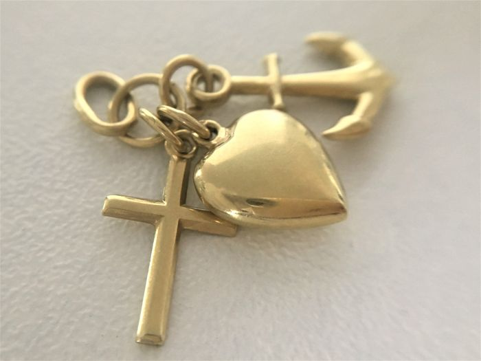 14 kt Gold pendant – faith, hope, love – height facing side: 24.93 mm
