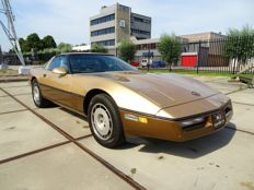 Chevrolet - Corvette Crossfire-Injection 350CI V8 T-top Targa - 1984