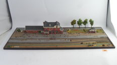 Scenery H0 - Replica of the Ommen station with platform and outbuildings as in the years 1950 to 1960