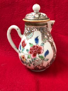 Famille rose jug - China - ca. 1730 (Yongzheng period)