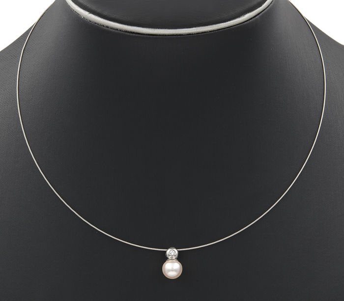 18 kt white gold - Choker with pendant - Brilliant cut diamond - Akoya pearl - Length: 42 cm