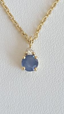 18 Ct Chain & Pendant  set with Diamond and Sapphire
