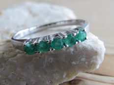 Handmade white gold eternity ring with natural emerald. NO RESERVE PRICE.
