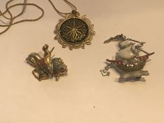 Vintage enamelled collection of Brooches