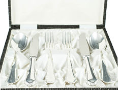Case with silver cutlery set