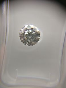 0.82 ct Round cut diamond F SI2