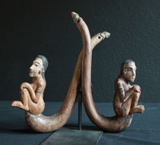 Two mosquito net holders - Bail - Indonesia - middle of the 20th century